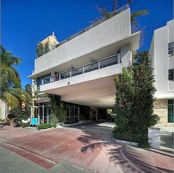 Rent House In Miami Beach: 125 Ocean Drive Miami Beach 33139