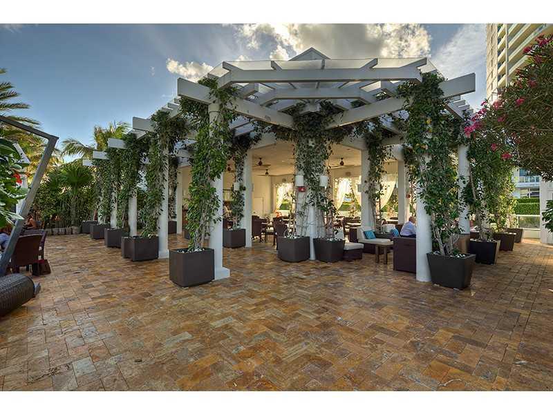 Continuum North Condo Sales & Rentals   South Beach Condos